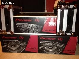 2x Pioneer CDJ-2000 Nexus & 1x DJM