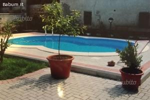 Bivilla con piscina a Massalengo