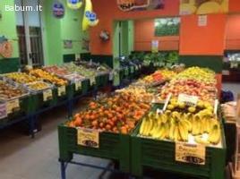 Frutteria in centro a Ronciglione