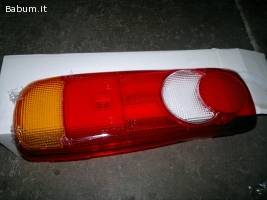 Nissan plastica fanale posteriore