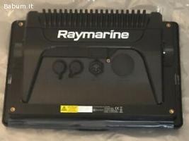 Raymarine Axiom 12 marine GPS