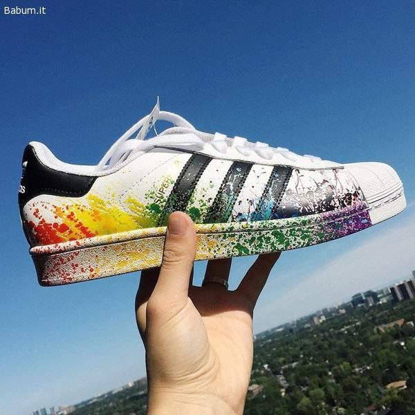 scarpe adidas superstar con schizzi