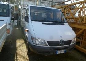 Vendesi autocarri Mercedes