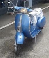 Vespa blu 50 special