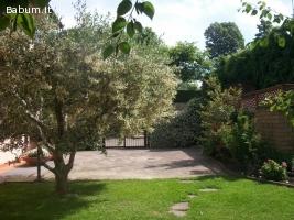Viterbo semicentro, giardino 500m2